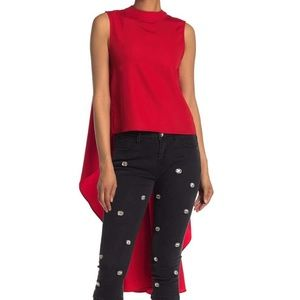 Gracia  Sleeveless High-Low Top in Size L.